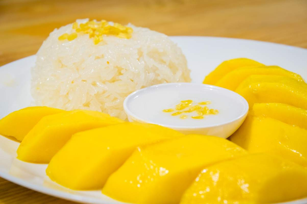 Dish 5 - Khaw Neaw Mamuang (Sticky Rice with Mango)